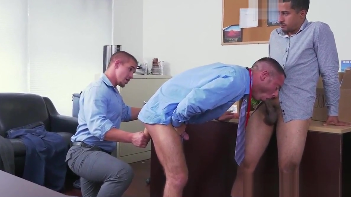 Assfucked employee shoots jizz in threesome Cheerleaders Holding Guy By His Cock