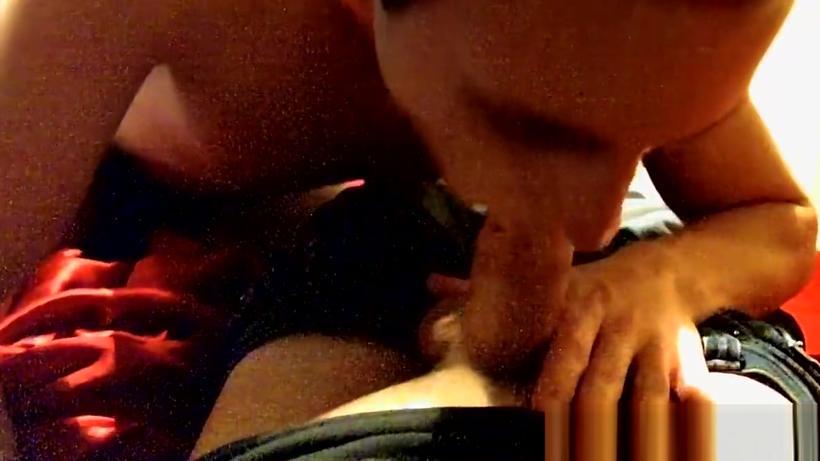 Hot Erik gets to blow big dick Trace Van De Kamp at home POV Ludacris pussy poppin version a big collection