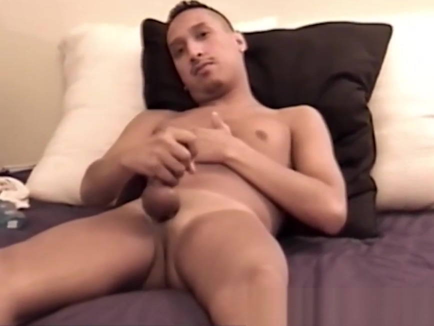 Short haired twink has some solo fun with a giant dildo Ukrainedate com login