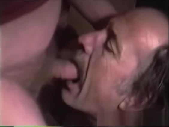 Mature Amateur Bob Jacking Off Girls squirting naked pussy shaved