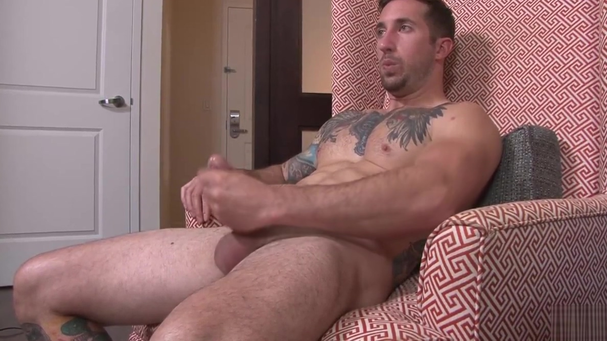 Built Jock Brad Jerks his Cock for Active Duty! Reanna mae penetration