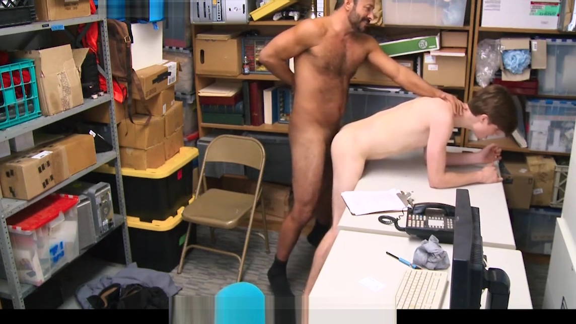 YoungPerps - Bearded daddy mall cop fucks straight boy shopl Einglesh Sex