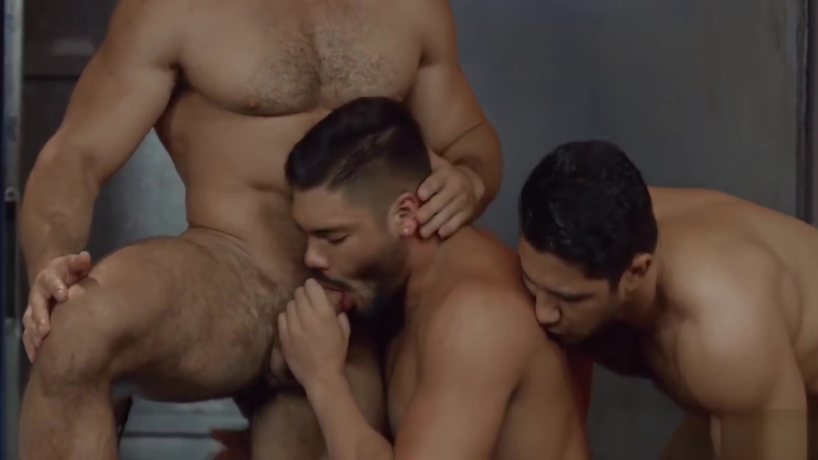 Dato Foland,Diego Reyes and Nicolas Brooks enjoy threesome Christian muslims in the middle east