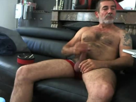 a nice hairy and tattooed daddy! Group Pon Sex