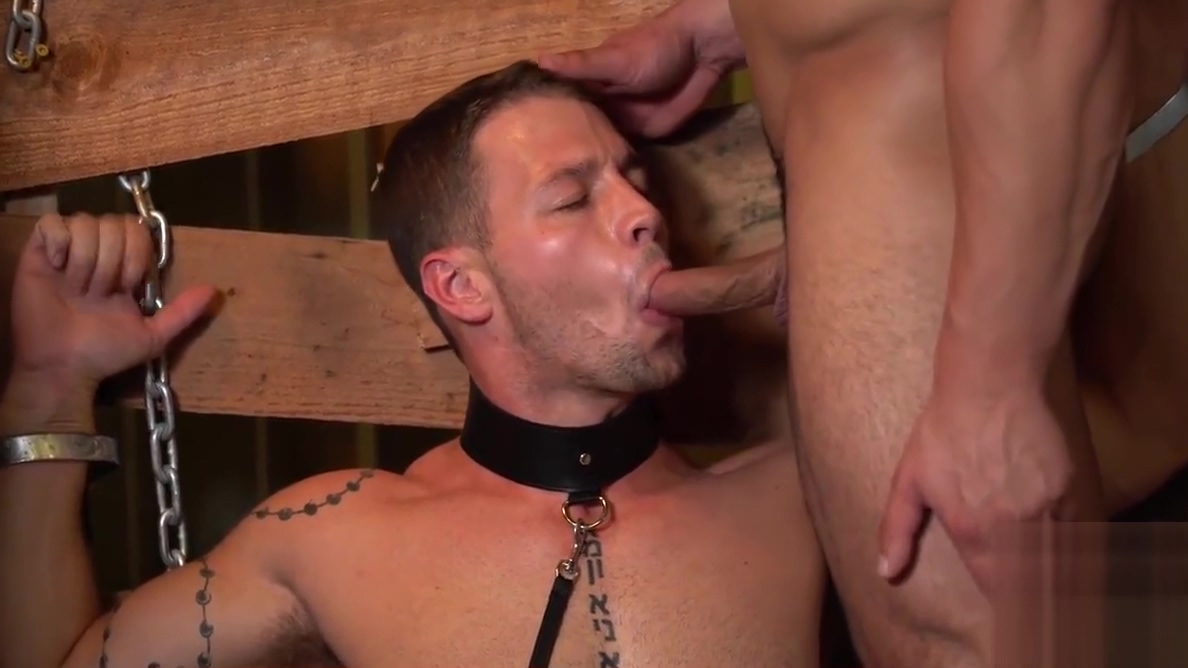 Casey Kole in chains gets his ass hammered by Damien Stone Naked pics of girls and boyes having sex