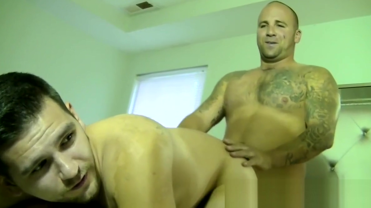 Mature Duncan Dixxx gets cock blown by two handsome guys Happy sexy couple