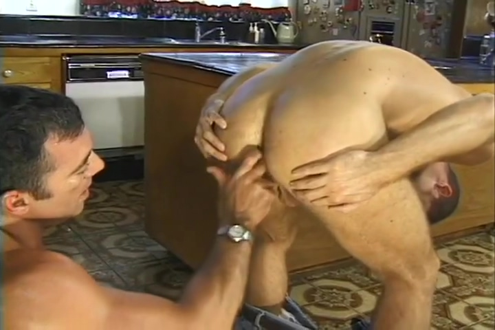 THE WATERMAN GETS SEDUCED BY THE HOME OWNER extreme ass fingering two lesbians lesbian girl on girl 1