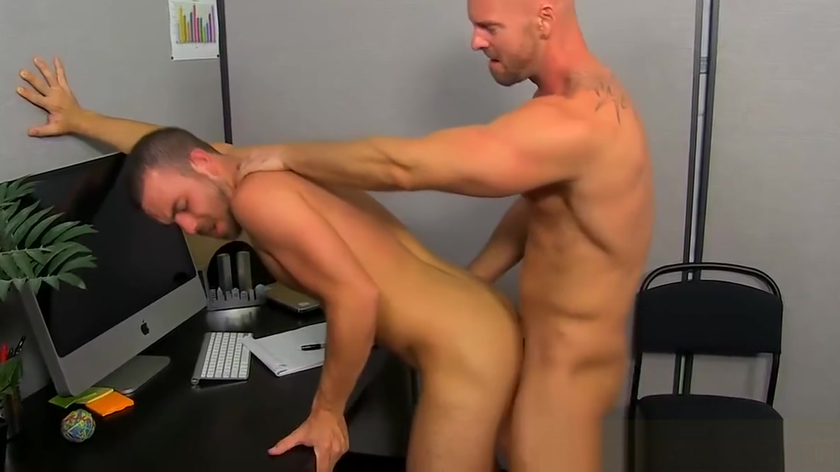 Mitch Vaughn licks Parkers ass before sticking his cock in anyone want to suck my dick