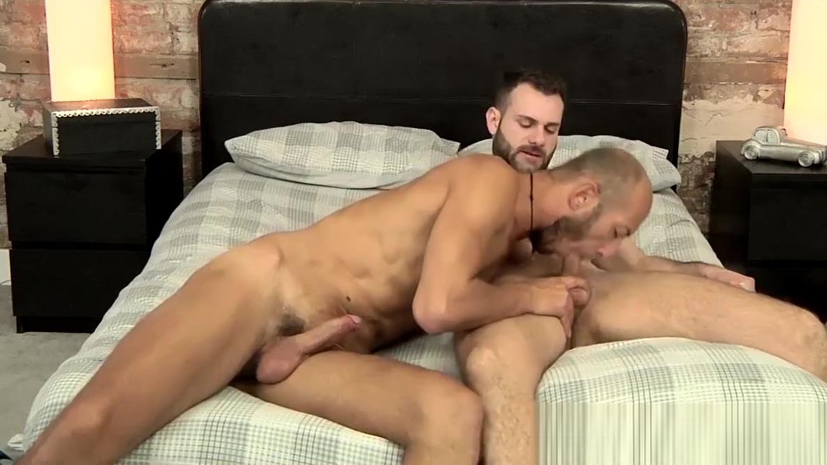 Dominic Arrow bends over for Wolf Rayet to plow him sweaty porn video sex