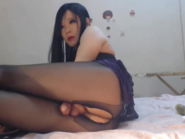 Hot Chinese webcam Trap Ebony cutie riding monster cock
