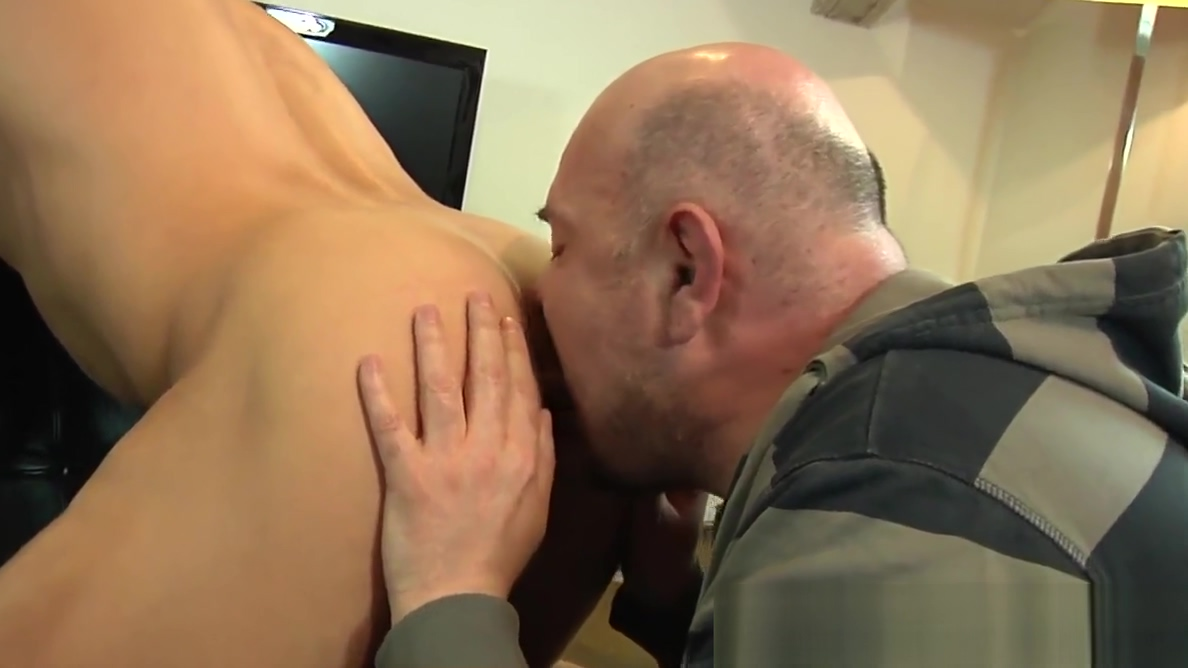 Euro amateur hunk cocksucked and rimmed when a man loves a woman