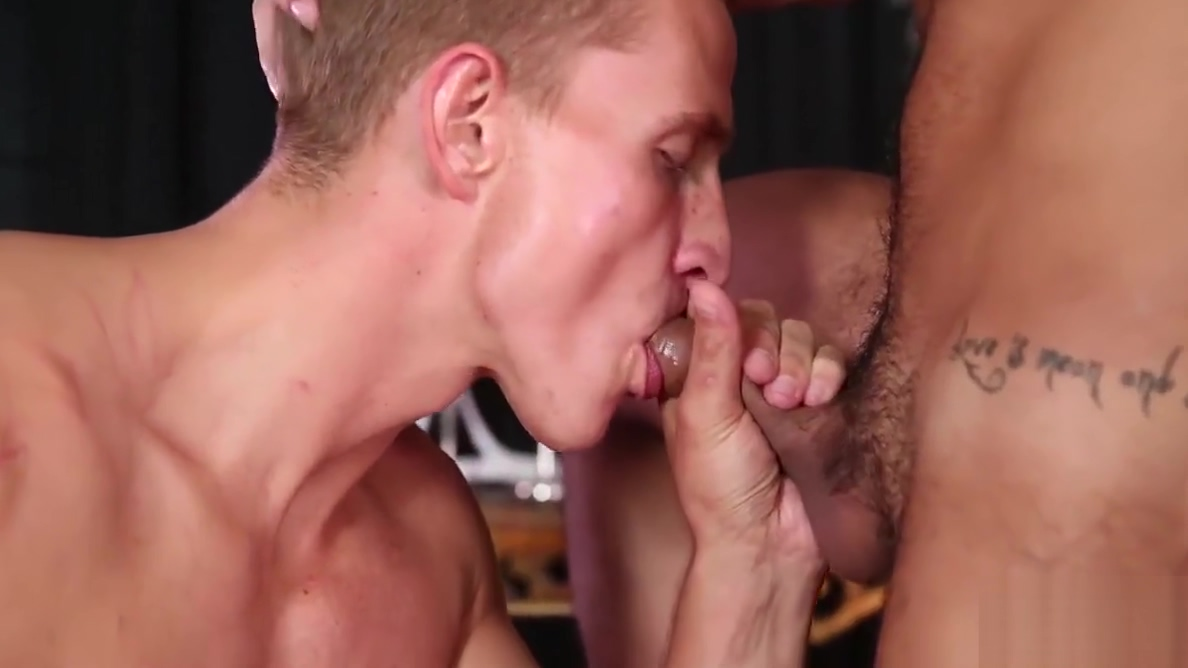 Kinky blonde twink gets his ass smashed nude brunette women porn pics