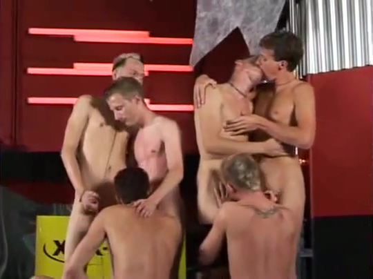 Group Sex Fun And Dance She likes me but started hookup someone else