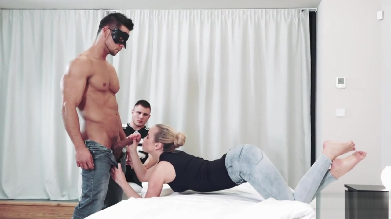 Blonde Vinna Reed Fucked By Gays Cock Girls to want sex for internet in Ras al Khaymah