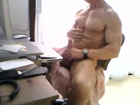 Muscle dad jerking Rio porm