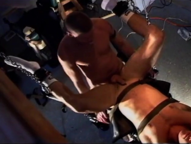 Gay - slave fucked in dungeon 51taonan english