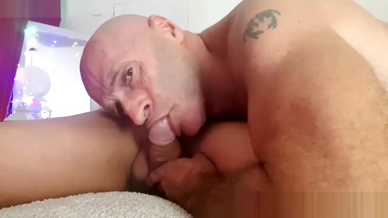 DEEPTHROAT GAY Biggest and best tits