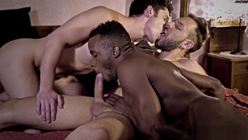 Big dick gay threesome with cumshot Interracial Couple Blowjob And Fucking On Webcam