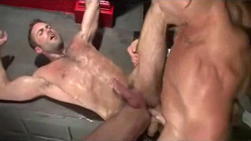Trenton en GayPorno.fm Huge boobs masturbation mature