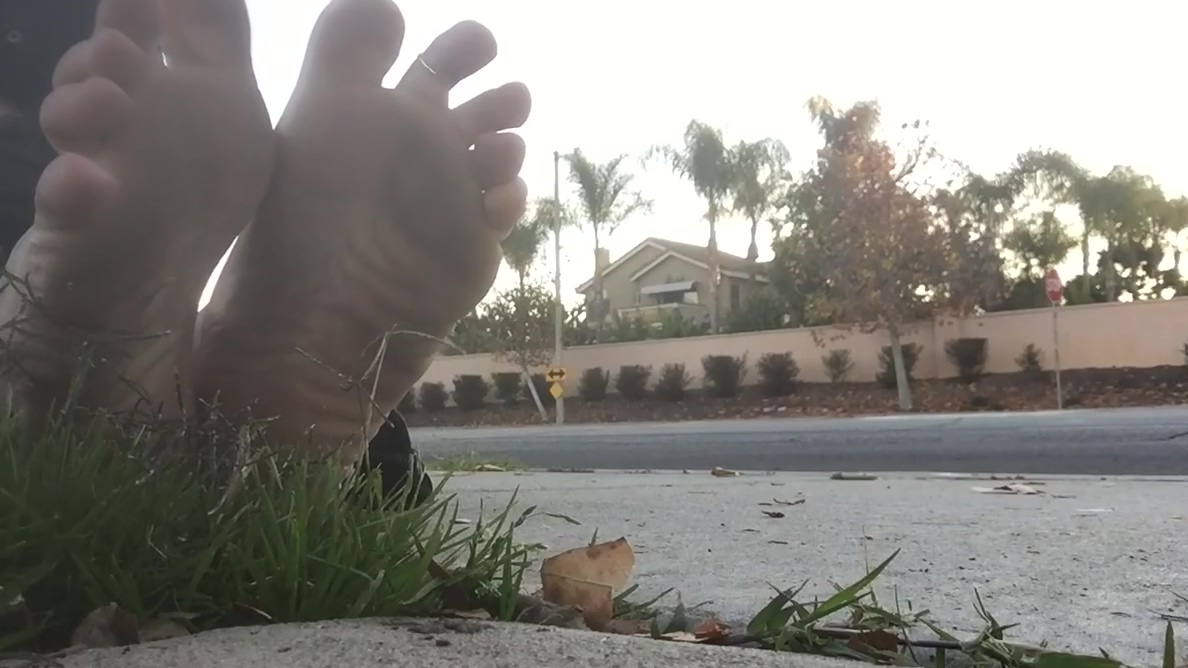 Public bare feet 2 Beautiful asses porn