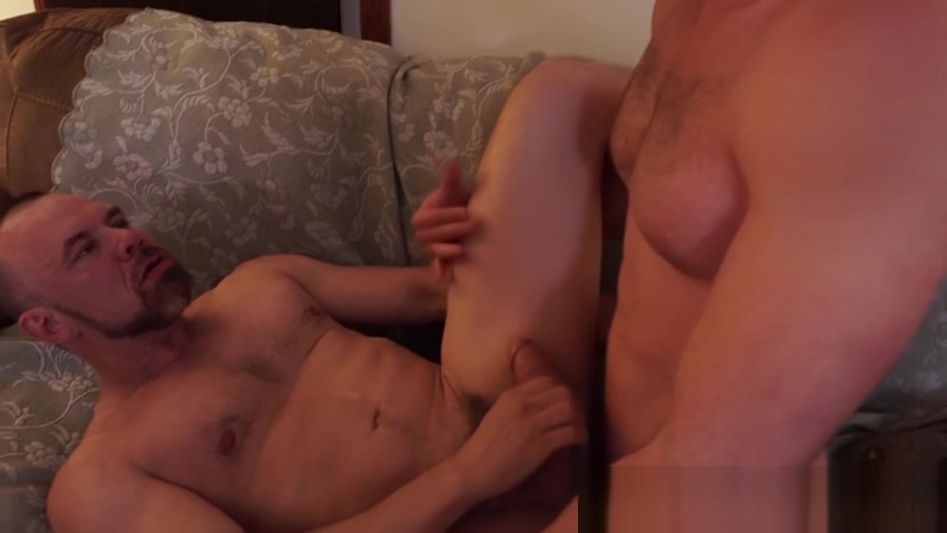 Mature homosexual dicked hard by a bearded jock Prostitute in Aripuana