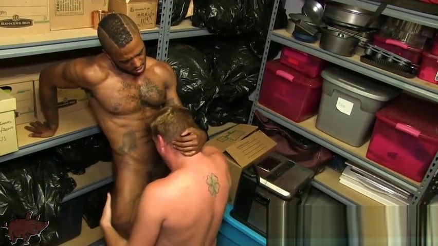 MICAH MARTINEZ RYAN RAZ bbc dude goes balls deep in skinny thief elsa jeans hot pussy
