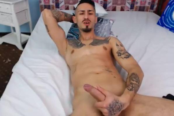Naked Romanian Man Masturbating On Cam ver videos pornos caseros