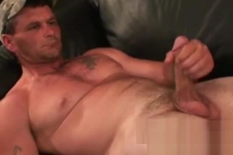 Massive cock wielding hunk cant stop himself from jerking I want to get a prostitute