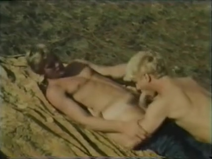 Classic - Blondes Do It Best 4 family nudists at the beach