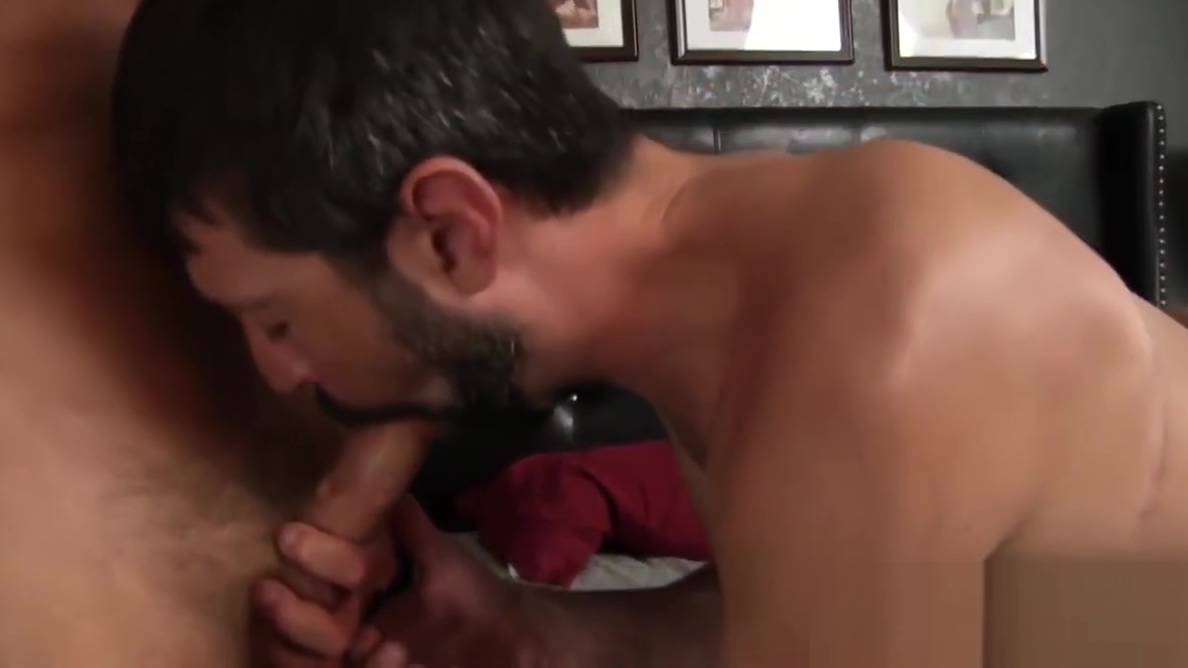 Bareback hardcore banging action with three mature gay dude Hooters huge tits