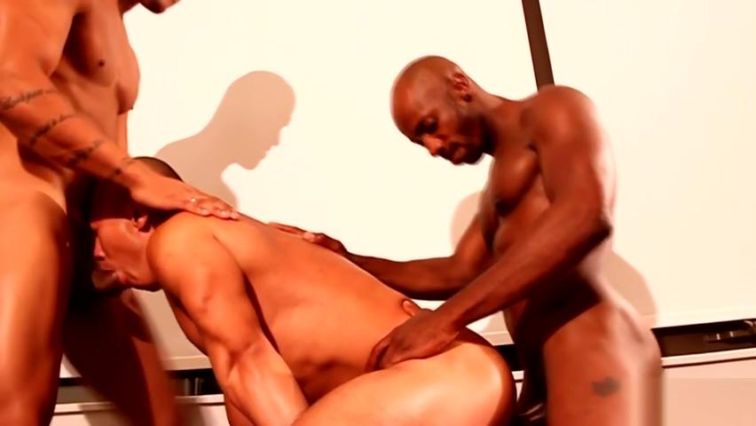 Black studs spitroasting a muscular jock nice slow slurpy blowjobs