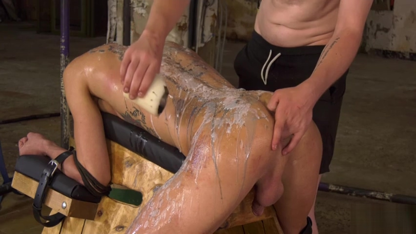 The Cute Twink Is In Charge - Max London & Leo Ocean Hookup a girl that is too good for you