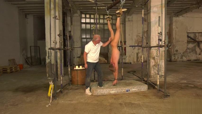 Swinging Like A Piece Of Meat - Chris Jansen & Sebastian Kane Porn In A Party