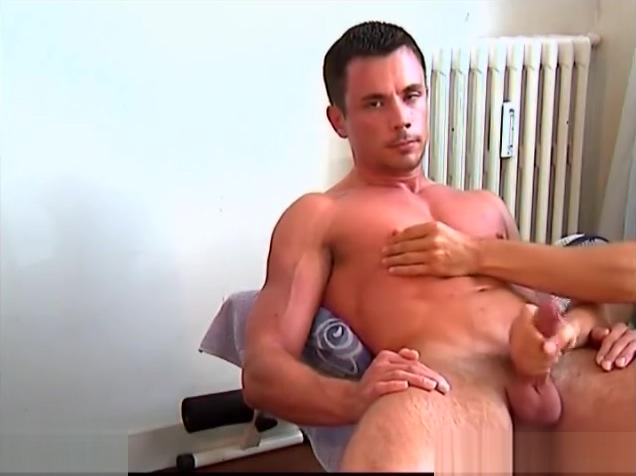 A nice innocent str8 guy serviced his big cock by a guy in spite of him! Ab workout to get a six pack fast