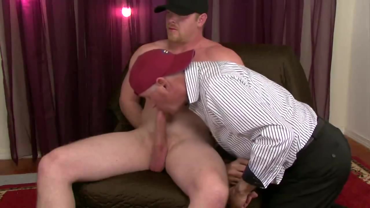 Like Em Straight- Straight Married Construction Worker Big dildo in pussy