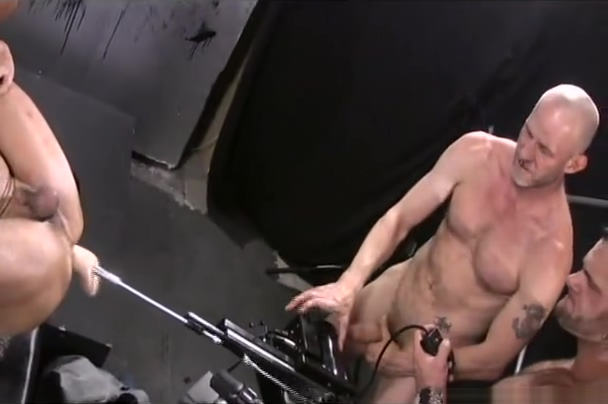 Muscles and Fuckmachine Russian Lesbian 1
