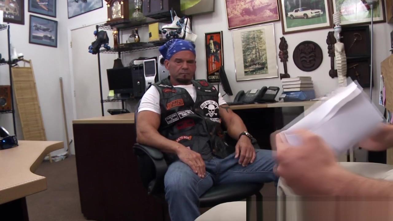 Straight biker cockriding pawnbroker for cash sex movies like on tv