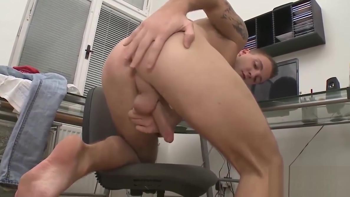 Sexy Nick Daniels seduces John Parker into a hot gay sex straight men gay experiences