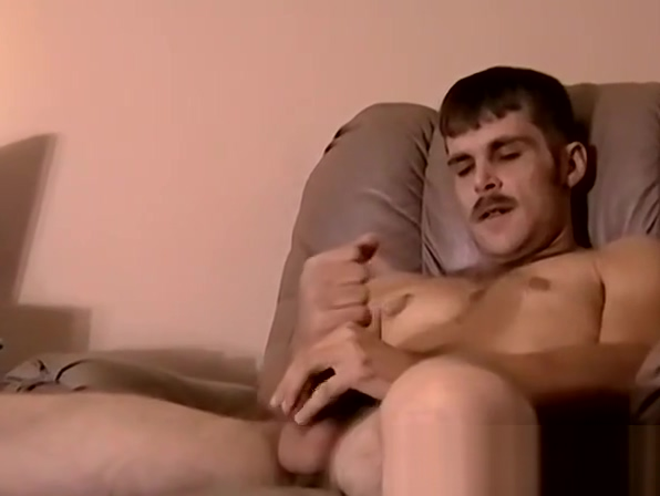 Straight dude loves getting blowjob Sofia in This Goth-Chick Loves Dick!