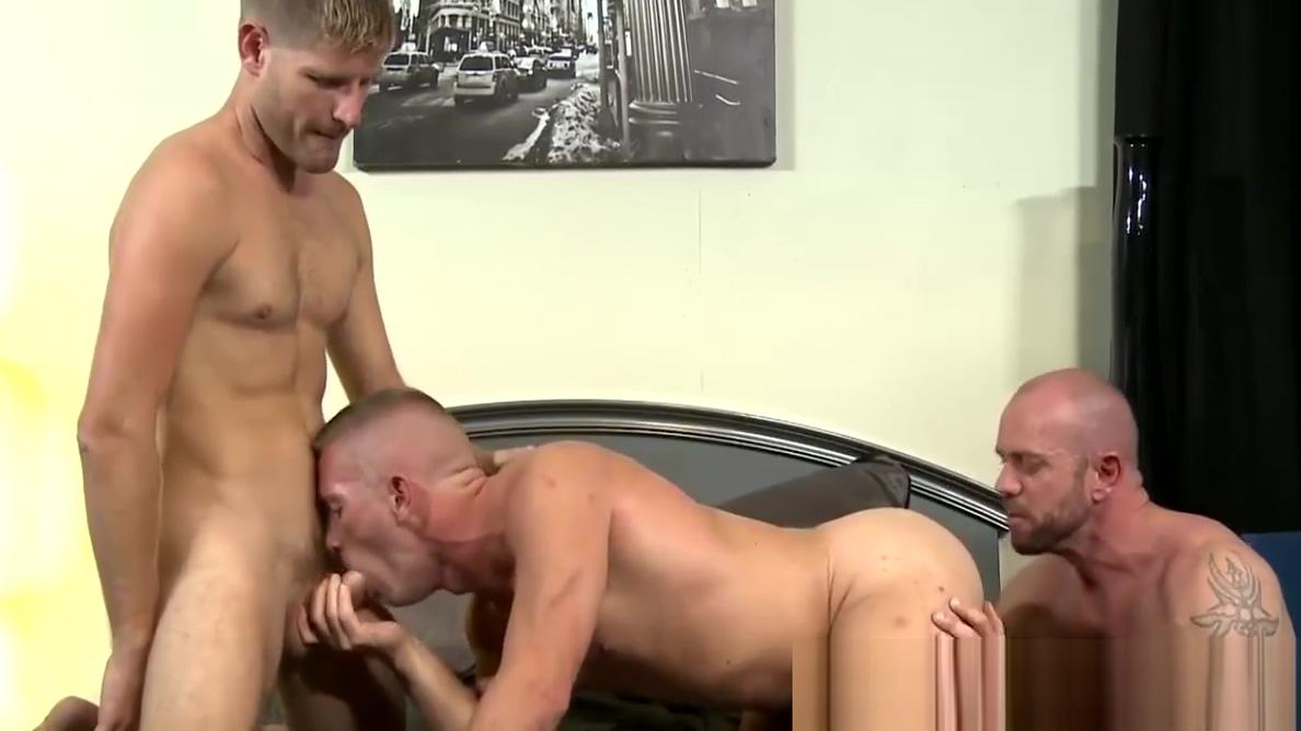 Peter uses Scotts mouth while Matt fucks Black girl on meth fucked