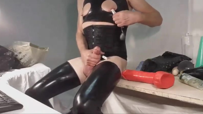Rubber night Homemade wife ass masterbation