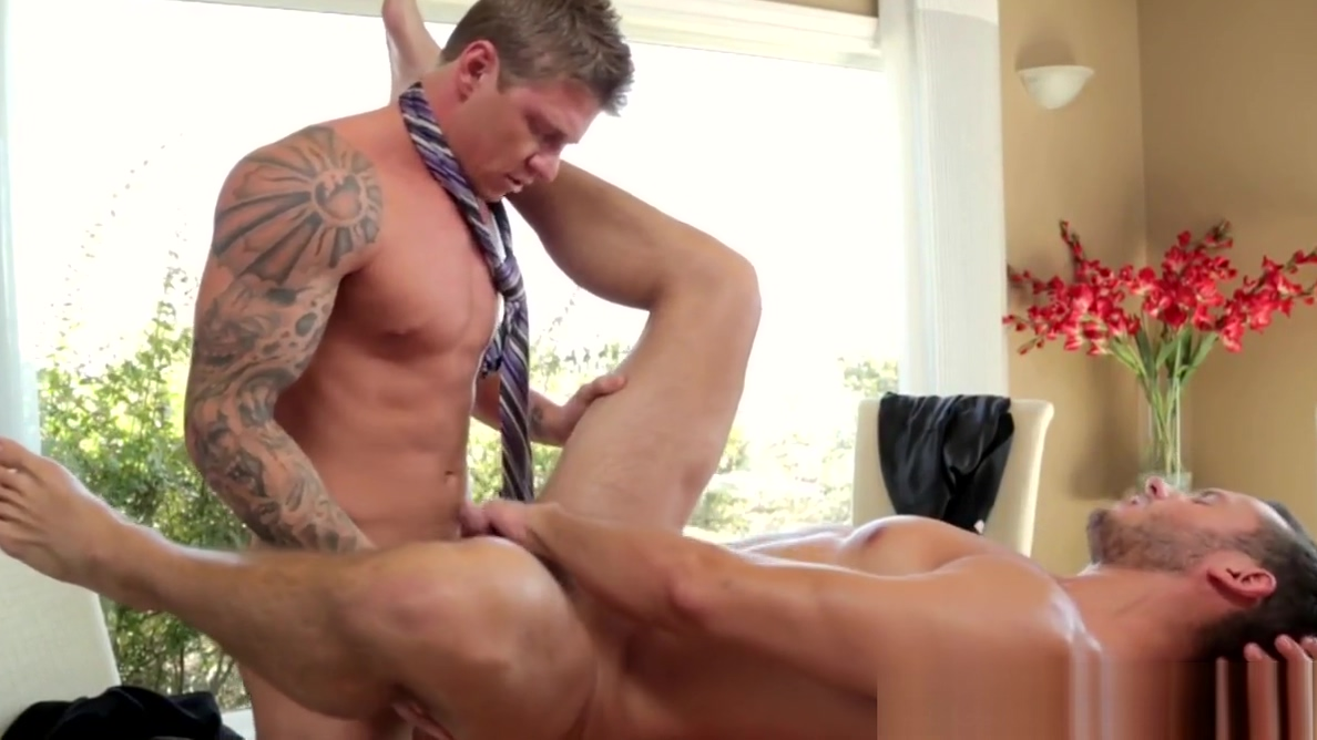 Ripped stud barebacked by muscle man First time anal and blood come from ass sex videos