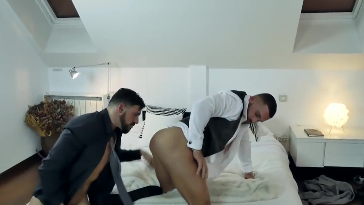 Gay Porn ( New Venyveras 5 ) Explicit how to perform anal sex