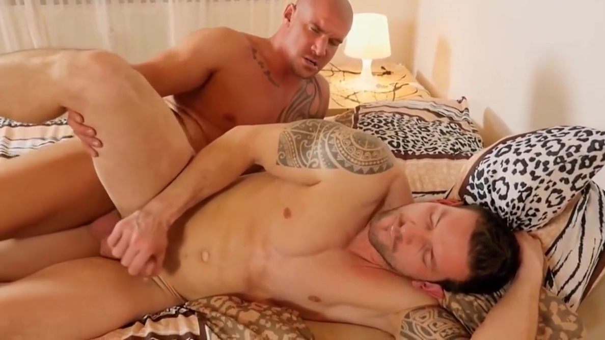 Gay Porn ( New Venyveras 5 ) hottie has sex with teacher