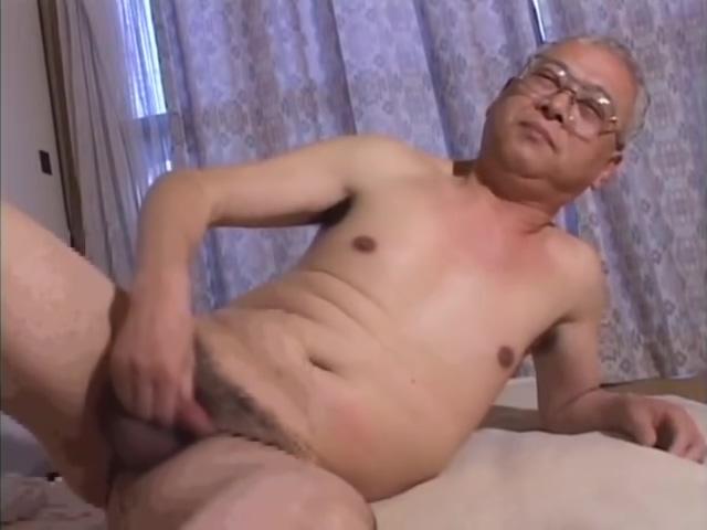 Grandpa Home Alone Boob different size