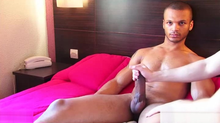 Room service guy gets wanked his big cock by a client! Funny things about women