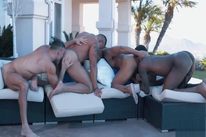 Hot outdoor jacuzzi orgy Gendering the self in online hookup discourse