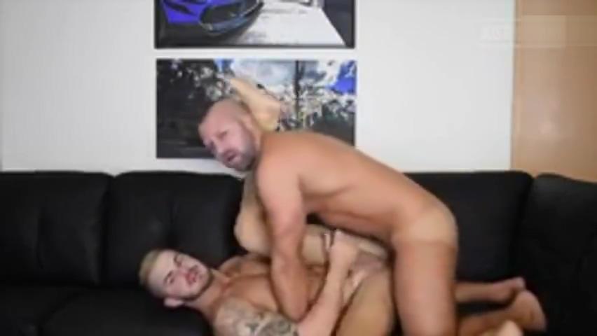 MEN FUCKING BAREBACK Ass eating restaurant