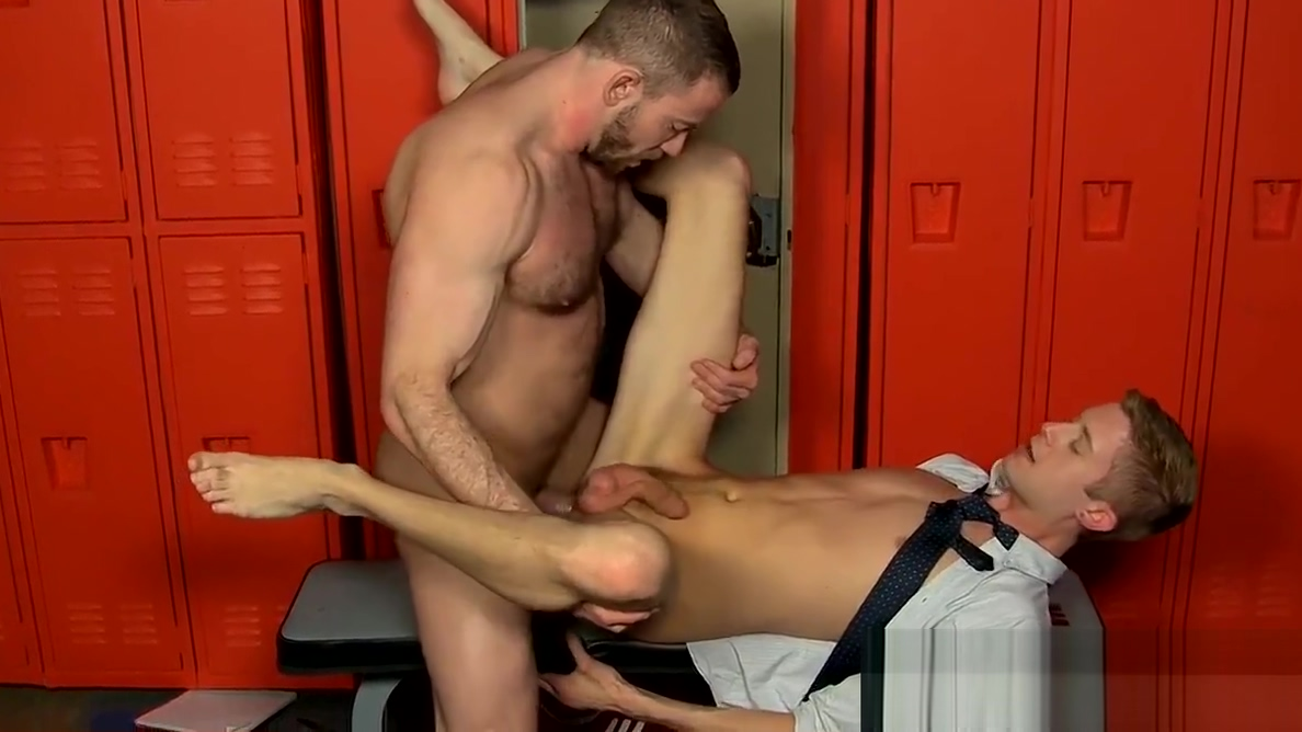 Rugged burly hunk gets his cock rode on by smooth twink porn sex hd video com