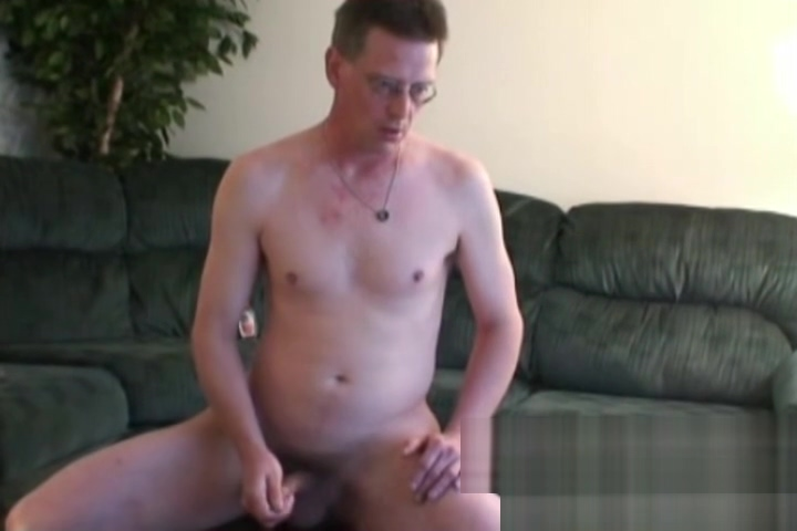 Dude with glasses loves to show off and jerk off on camera Xxx hot sex big cock pussy